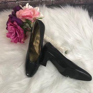 Hush Puppies Comfort Curve Black Heel